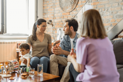 A therapist giving parenting counseling in Louisville, KY.